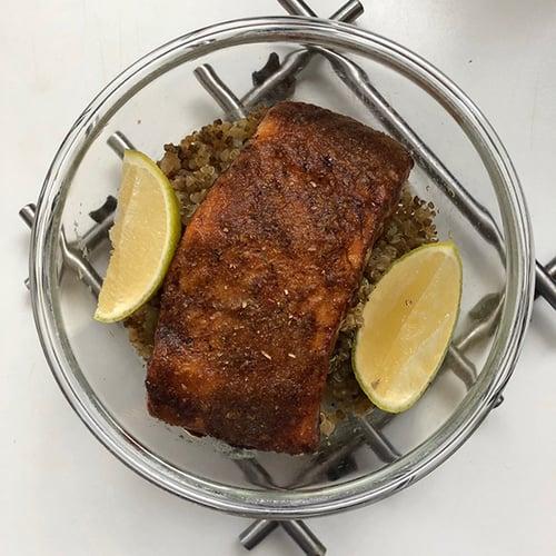 午餐-藜麥、煎鮭魚排