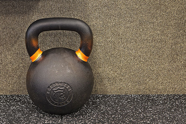 壺鈴是適合在家健身的器材