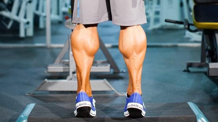 小腿肌肉發達
