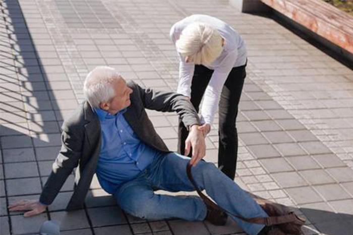 「跌倒」是老人事故死因第二位! 9大防跌妙招學起來