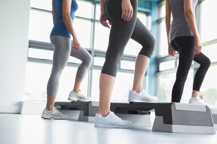 階梯踏板助於增強訓練、強化下肢訓練,又能達到極高的燃脂效果!