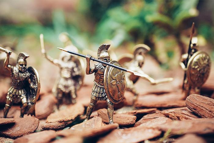 早在斯巴達、羅馬時代就有人利用徒手健深
