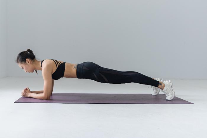 棒式 鍛鍊核心肌群 訓練肌耐力 培養肌力