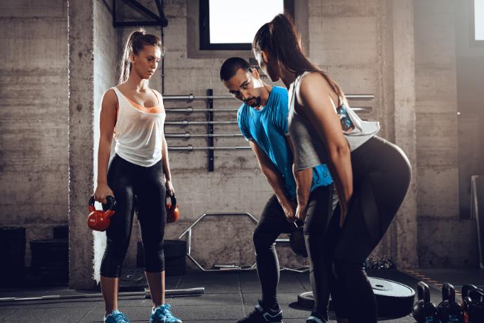 健身教練助你運動一臂之力