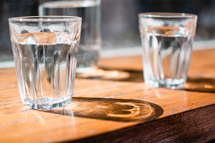 喝水對體重來說是最安全的,但千萬別以為猛灌水就能幫助減肥喔!