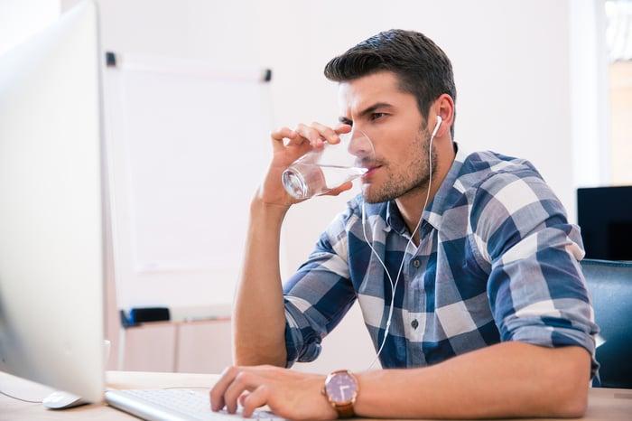 喝水 身體缺水 補充水分
