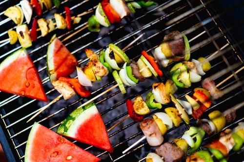 肉類和蔬菜一起烤
