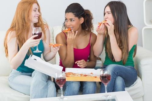 體驗大學生活,少不了在宿舍的那段日子,每天跟你的室友相處,吃飯、聊天、睡覺常常膩在一起,可說是大學四年下來,相處最多的就是室友,因此對方的生活習慣特別重要,這是決定你未來的日常作息!