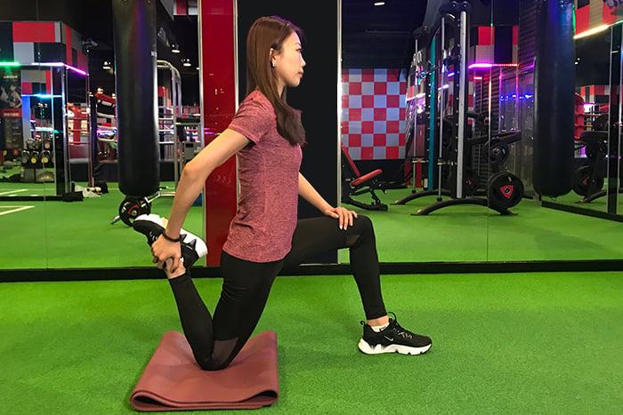 大腿前側伸展-2