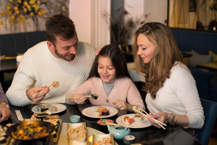3招讓孩子愛上吃飯-餐桌氣氛要愉快