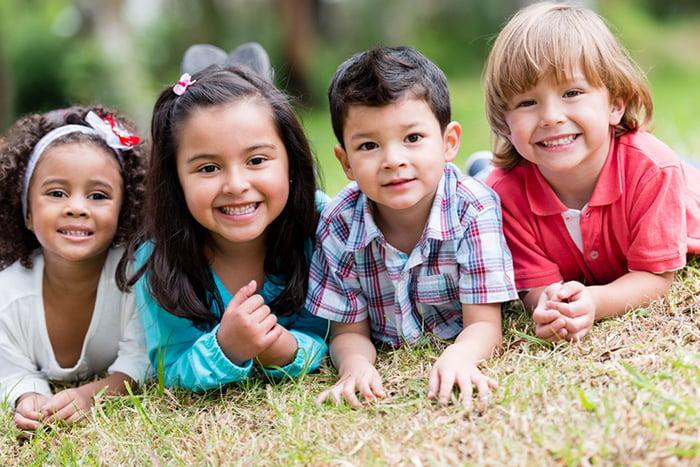 5歲以下小朋友不適合吃堅果 但可將堅果磨成粉加入果汁裡