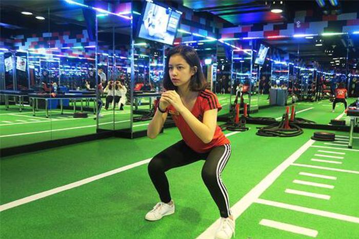 居家瘦腿的肌力訓練-深蹲
