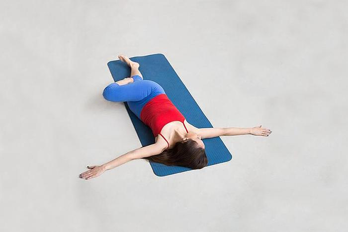 水腫型瘦下半身運動-扭轉式