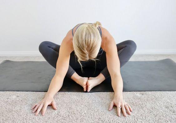 伸展大腿內側動作示範