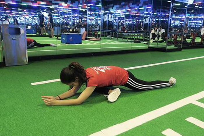 肌肉型瘦下半身運動-睡天鵝式側面