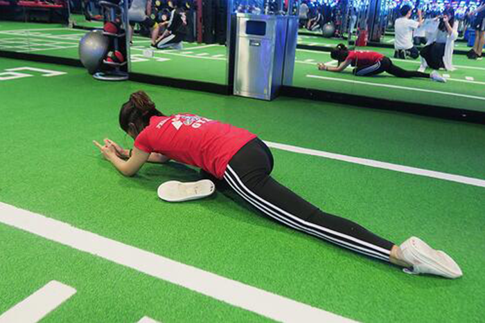 肌肉型瘦下半身運動-睡天鵝式