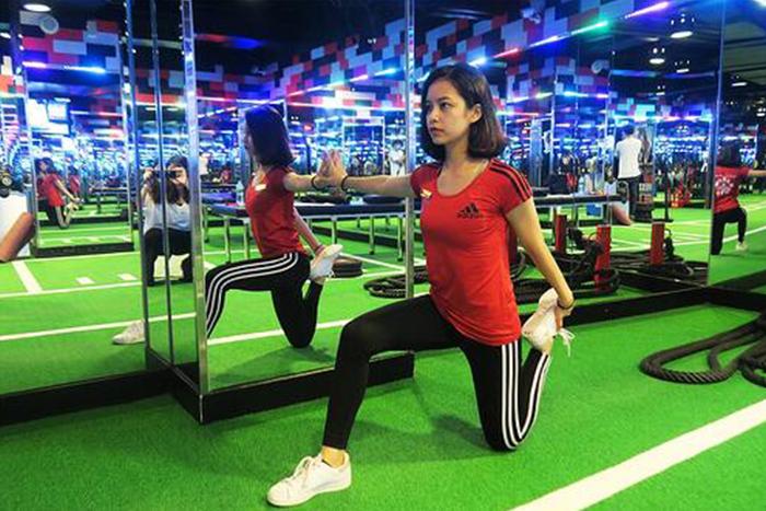 肌肉型瘦下半身運動-低位弓箭步