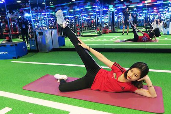 居家瘦腿的肌力訓練-大腿外側