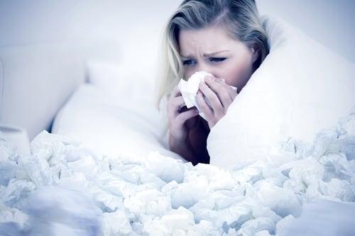 多汗症、糖尿病、甲狀腺亢進…等症狀,或是因為感冒導致身體無法適當調節內外溫度,容易四肢發冷、精神狀況差,所以易造成大量冒汗的現象,而且大多是冷汗。如果是因為疾病導致出汗,建議要盡快就醫、診斷治療,才能對症下藥。