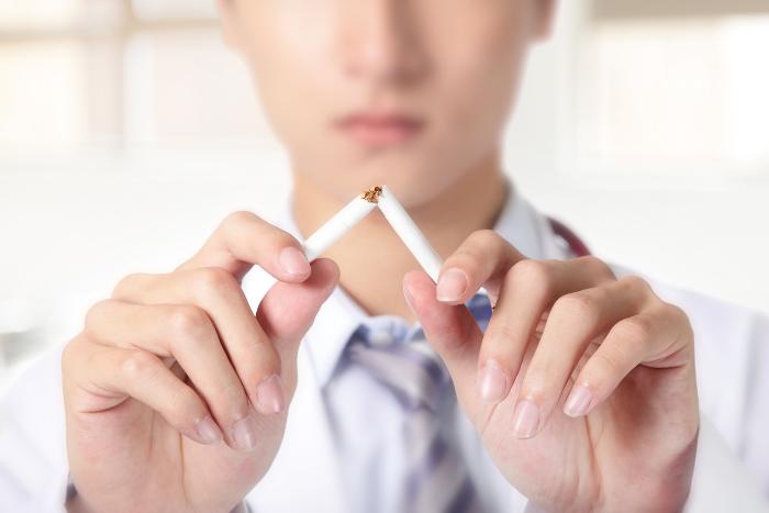 預防腦中風方式-戒菸