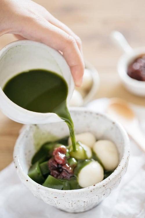 抹茶熱浪席捲全台,抹茶紅豆湯圓、抹茶鬆餅、抹茶拿鐵…等,橫掃抹茶控們!而抹茶不僅好吃,更是日本超人氣減肥聖品,另外像是抹茶加檸檬,還能預防失智!