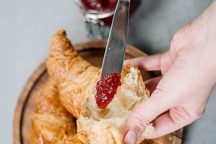 果醬 罐裝果醬 看不到顆粒 原型水果 濃縮果汁 果醬吐司 果醬麵包