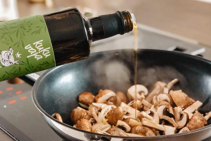 不論是義大利麵料理,還是生菜沙拉,淋上一點橄欖油,除了能提升菜餚風味,還有助於瘦小腹!