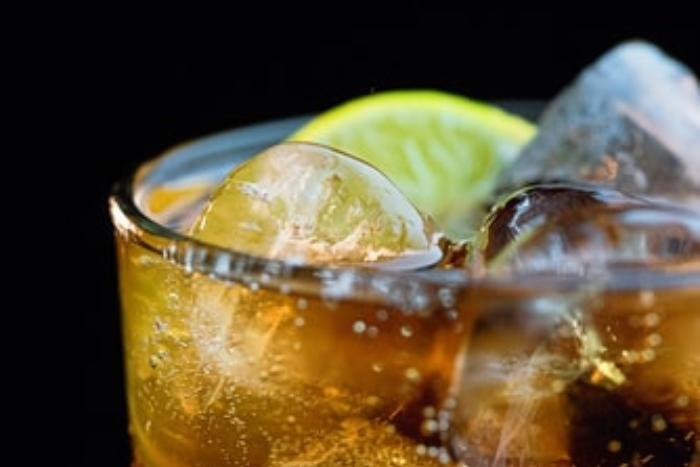 生酮飲食最佳飲料推薦-汽水