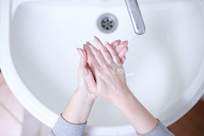 勤洗手 消毒 皮膚癢 皮膚乾燥 脫皮