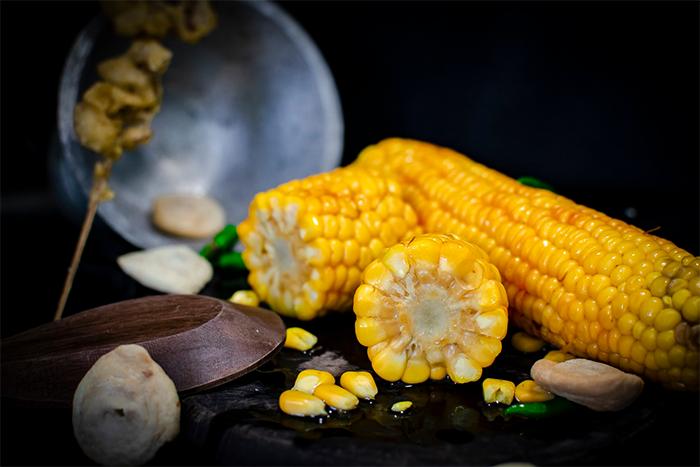 這8種食物讓吃素營養更完整-玉米