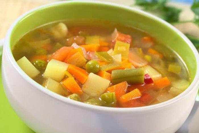 白蘿蔔蔬菜湯