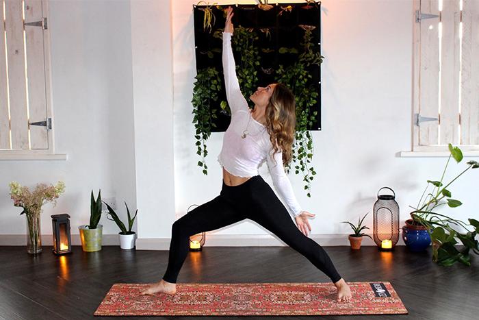 瑜珈主要是透過伸展搭配呼吸、冥想,來放鬆肌肉、療癒身心