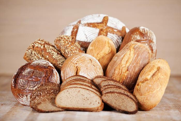 碳水化合物 麵包 戒斷碳水化合物,是許多人在減肥時期會嘗試的方式,最新發現,完全不吃碳水化合物,會短命