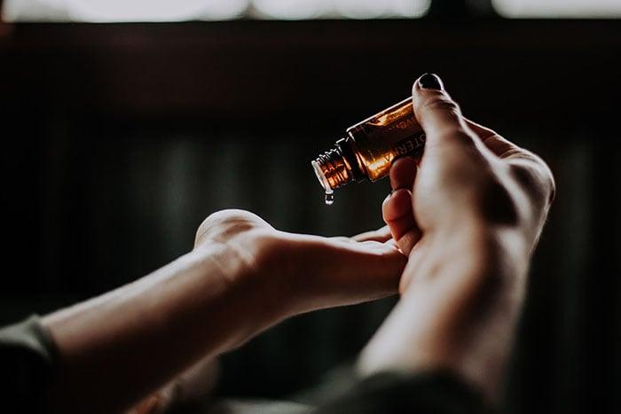 茶樹精油具有抗菌、抗病毒效果、增強免疫系統。