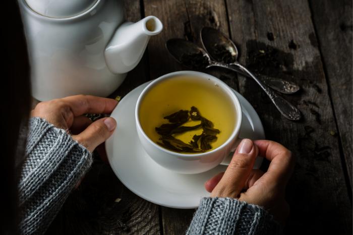 無糖綠茶幫助消除蒜味
