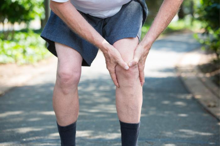 膝蓋積水的原因-退化性關節炎