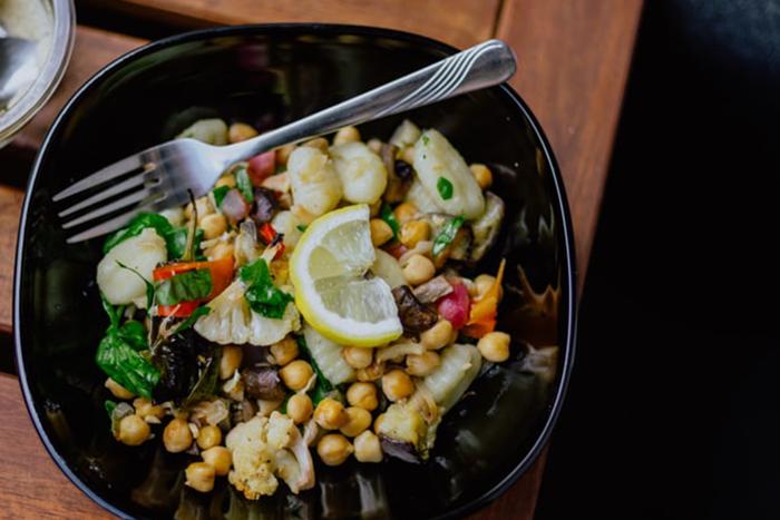 吃素的人應該注意蛋白質、鈣質的攝取