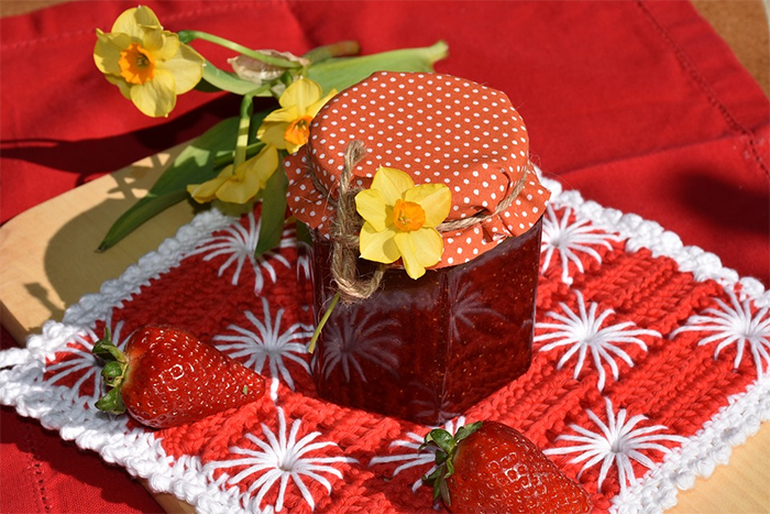 草莓果醬等 含有明膠的食物不是素食
