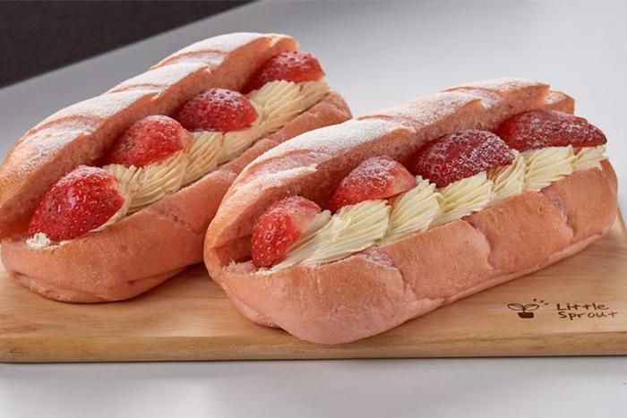 草莓季甜點熱量公開-草莓雪酪麵包