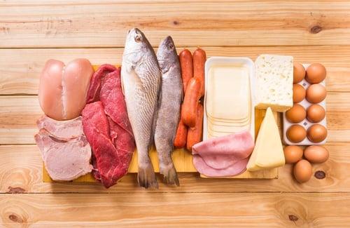 運動後總是覺得特別餓,為了增肌減脂,趕上黃金時間內把握進食,猛吃蛋白質,補補肌肉?但其實這樣的增肌效果沒有「蛋白質+OO」來的好!