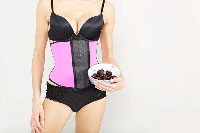 衣服穿太緊會導致胃食道逆流