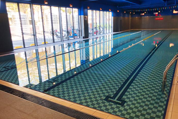乾淨舒適的泳池-s