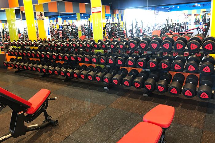 自由重量訓練區域,重量齊全-s