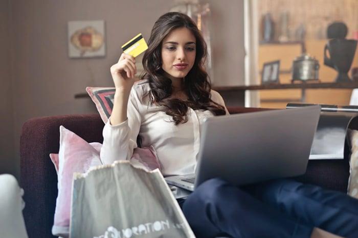 購物狂 購物成癮 逛街 網拍 失心瘋 孤獨 購物宣洩