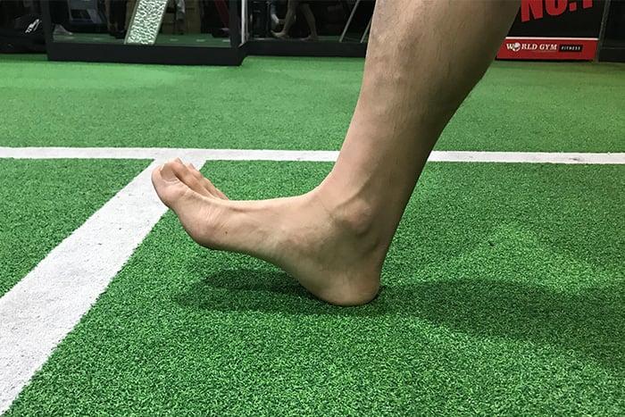 預防腳踝扭傷7撇步用足跟走路