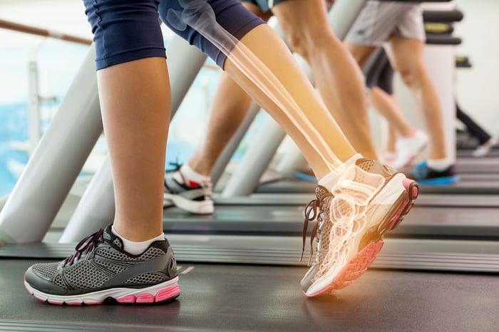 跑步機 運動時穿錯鞋 鞋子要合乎腳型尺寸