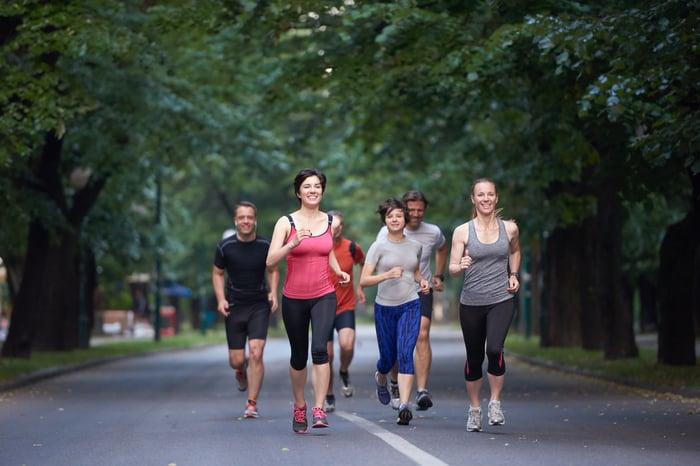 參加賽事 參加路跑 路跑 健美比賽 減重目標 健身運動 增加運動量 找朋友一起參加 互相督促 有動力運動
