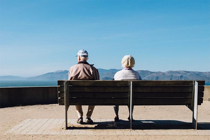 網友彙整5大初老症狀-家人變老