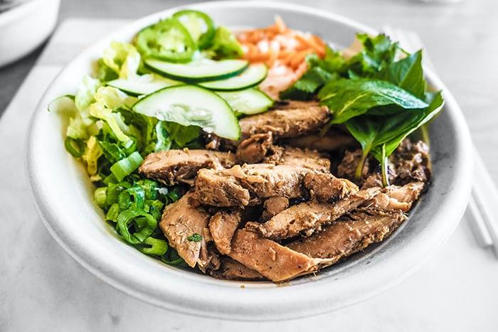 長肌肉 蛋白質 增肌 減緩肌肉流失 肉 菜 營養均衡