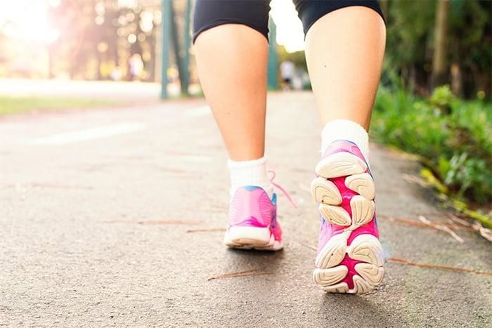 健走 選對鞋 健走鞋 慢跑鞋 避震功能